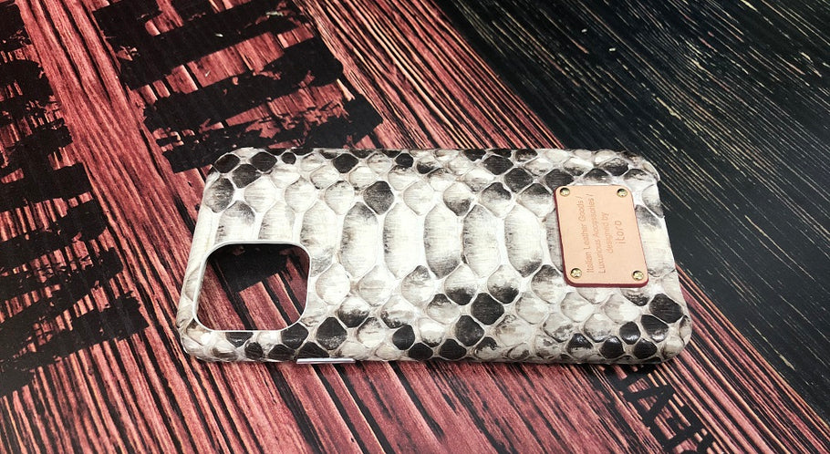 iToro iPhone 11 Italian Python Series Leather Cases