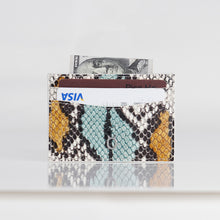 Load image into Gallery viewer, Snake embossed Premium leather Credit card case