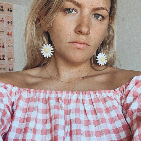 Daisy Earrings: White
