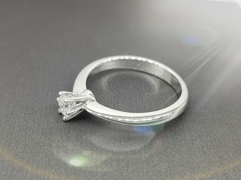 Anillo Venecia Diamante de 0.20CT Color I Pureza SI1 ORO 14K