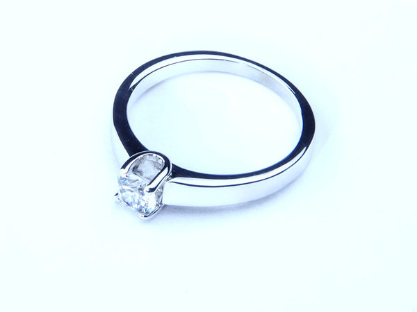 Anillo con Diamante You Platino