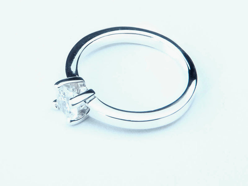 Anillo con Diamante Square Platino