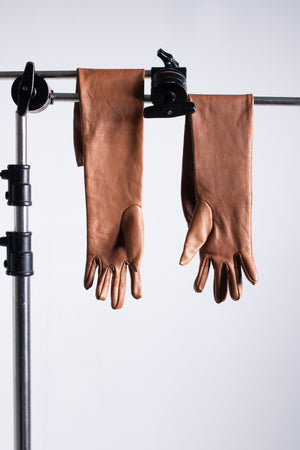 Caramel long lamb gloves