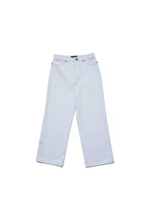 Basic loose fit white jeans