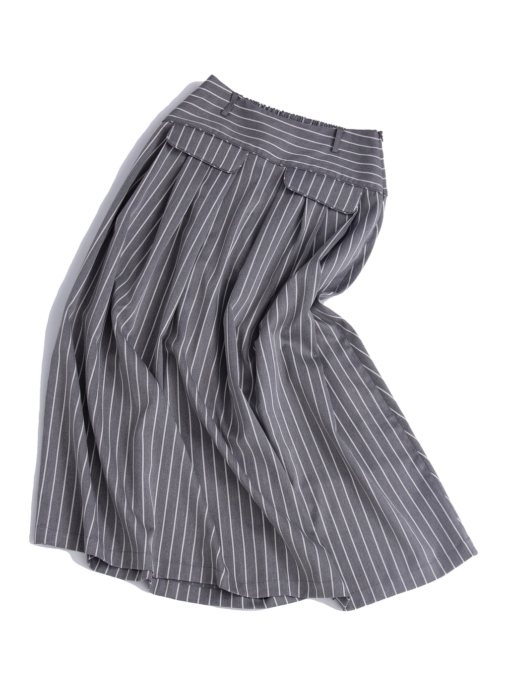 Multi pockets pleated skirt
