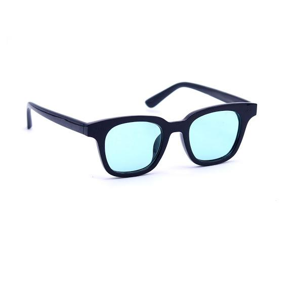 Premium Designer New unisex Sunglass with one year warranty