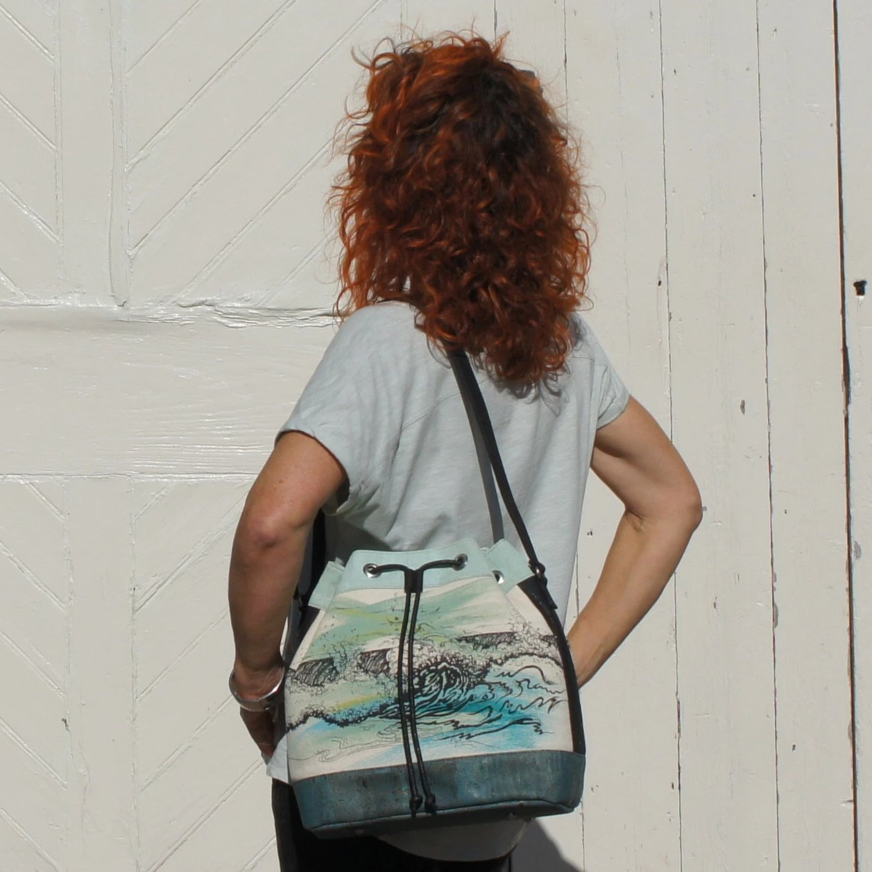 Bucket Bag: Waves Design