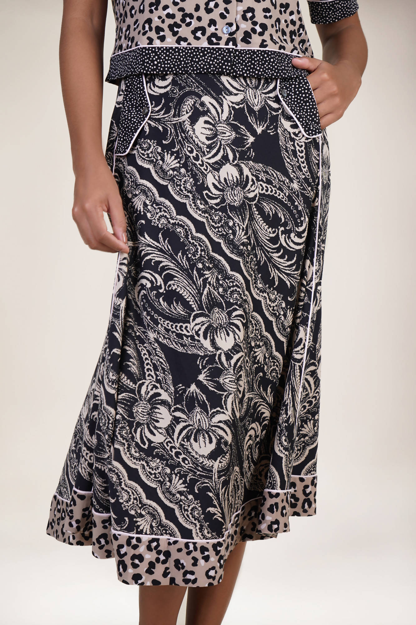Westlock Skirt in Feline Pride