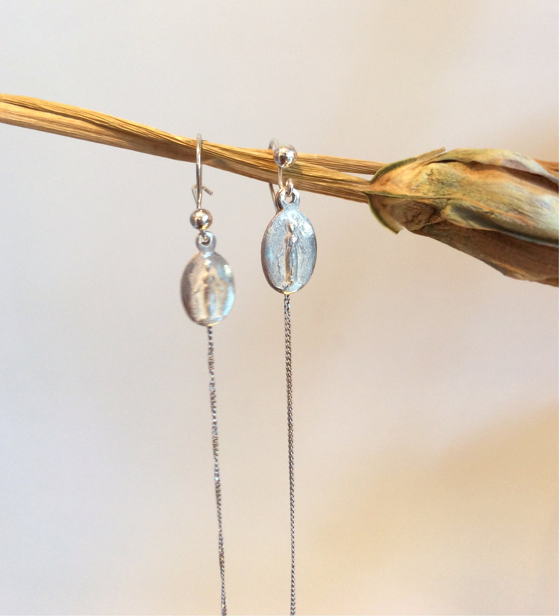 ORNAMENT & CRIME 'MARIA' EARRINGS W/ LONG CHAIN
