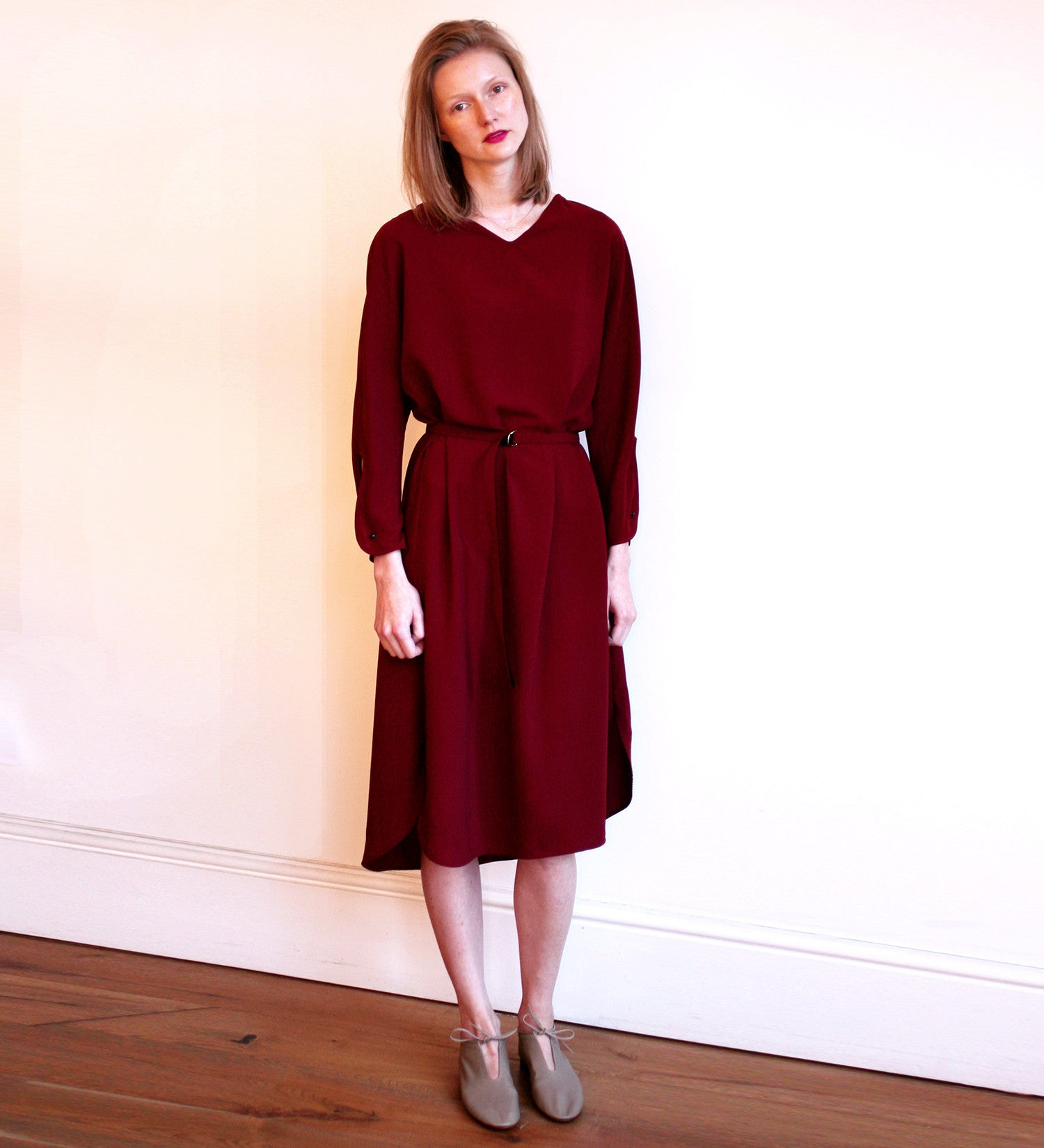 WONDEROUND CREPE V NECK LONG BURGUNDY DRESS
