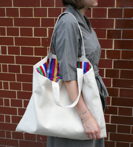 RANEE & COMPANY WHITE SAEKDONG CANVAS BAG
