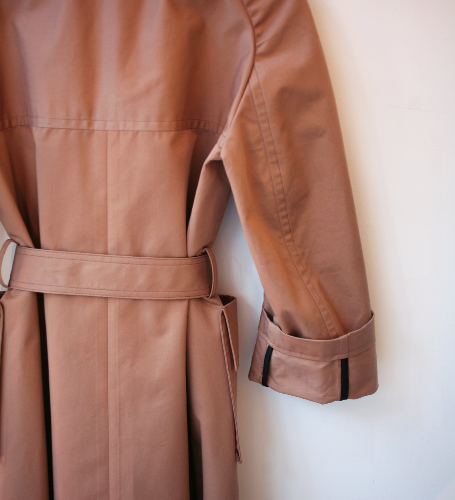 WONDEROUND TRENCHCOAT W/ POCKETS