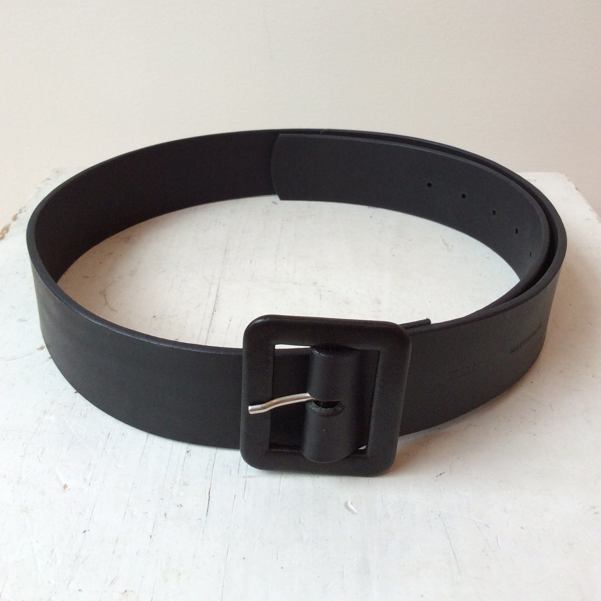 KIS,C WIDE BROWN LEATHER BELT