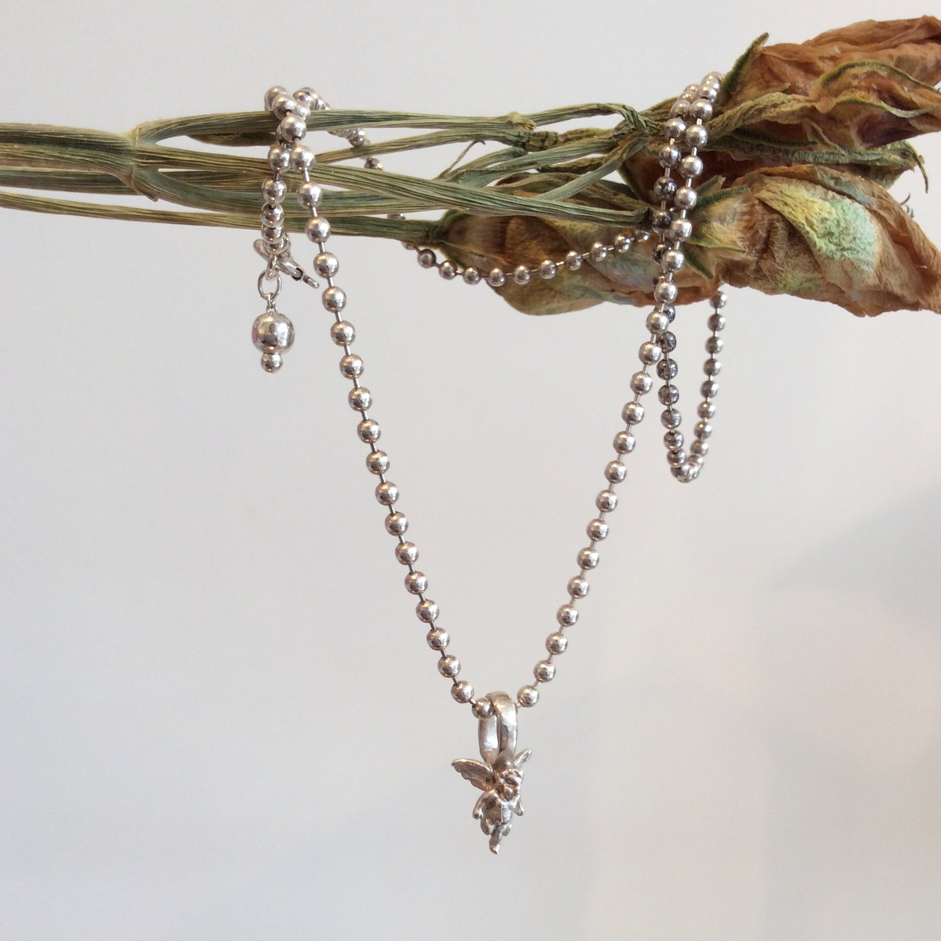 ORNAMENT & CRIME 'ANGEL' NECKLACE W/ BALL CHAIN