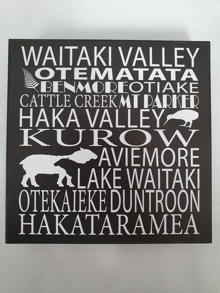 B/W Waitaki Valley Sign Large