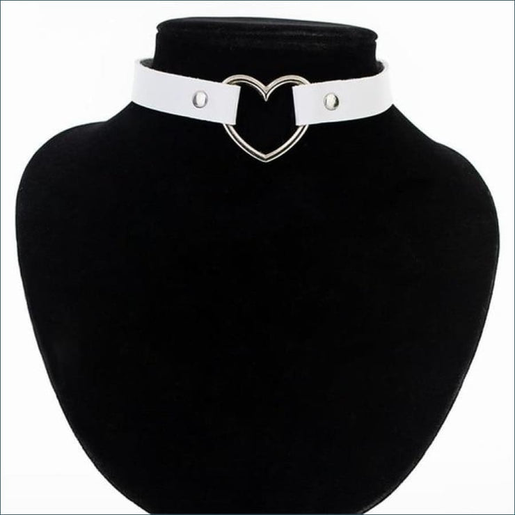 Trendy Vintage Heart Choker FREE SHIPPING TODAY ONLY! - white