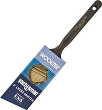 Load image into Gallery viewer, Wooster Yachtsman Brush for oil based finishes