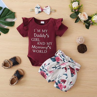 """I'm My Daddy's Girl Mommy's World"" Floral Printed Baby Set"