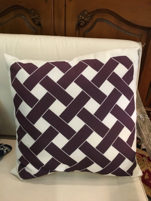 WILLIAMS SONOMA PILLOW PLUM AND CREAM LATTICE SUNBRELLA