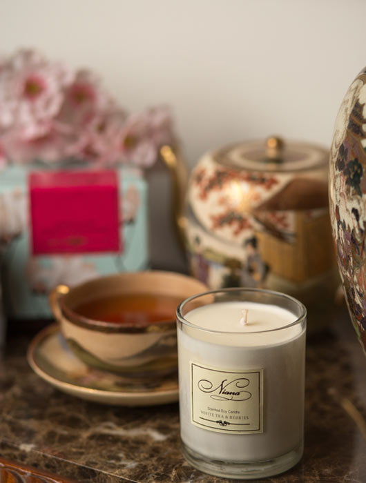 White Tea and Berries Candle - Niana