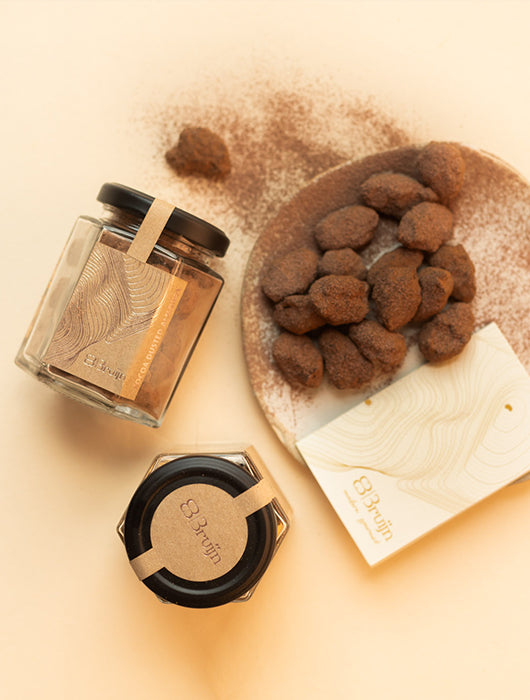 Niana x Bruijn Gift Set - Red Spice & Cocoa Dusted Almonds