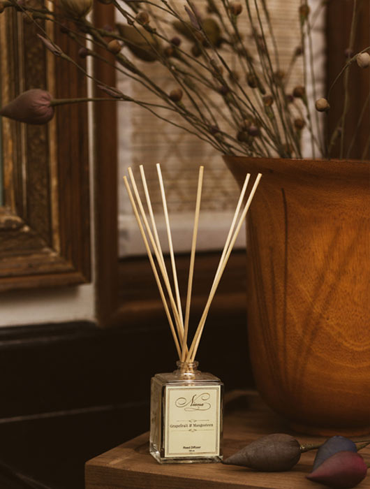 Grapefruit and Mangosteen Reed Diffuser - Niana