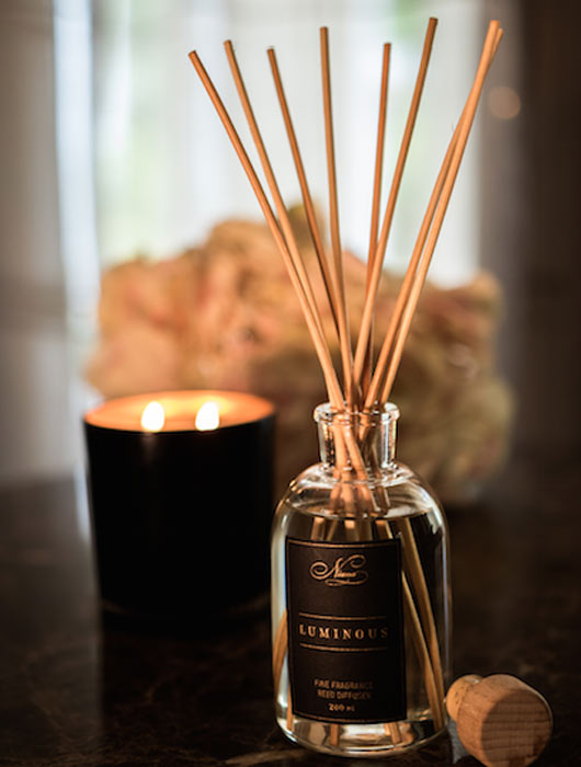Luminous Fine Fragrance Reed Diffuser - Niana