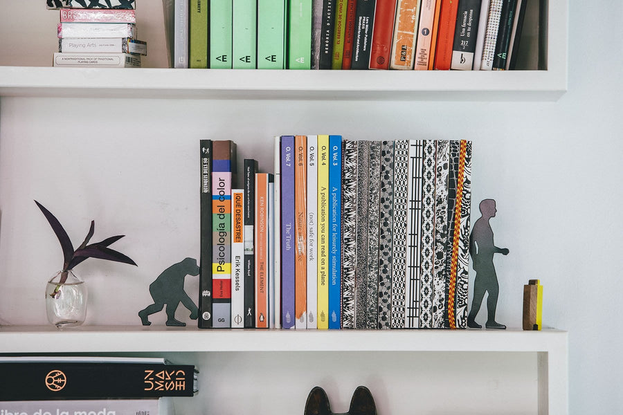 Evolution Bookends Black