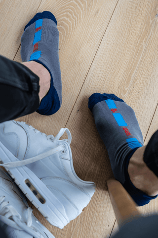 grey ankle socks with white sneakers   dstinctive