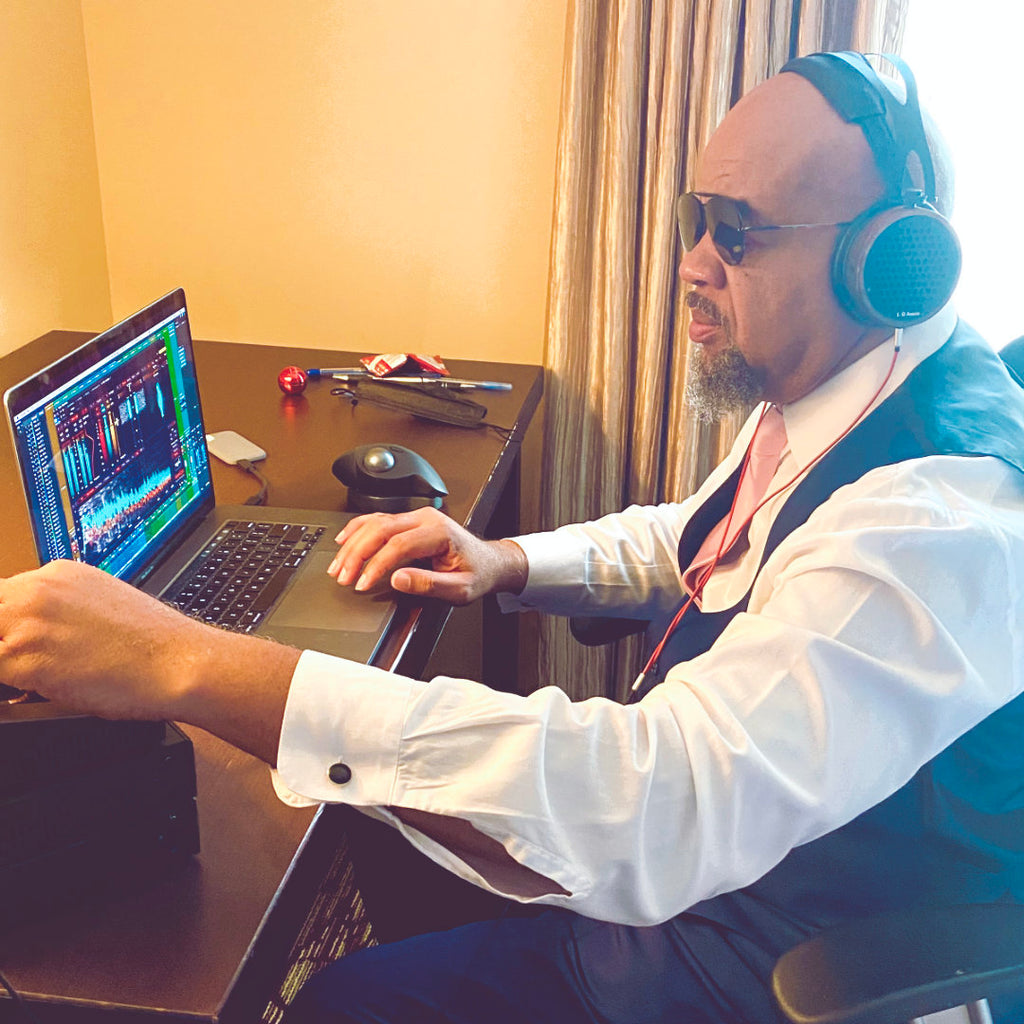 Gary Noble - Mixing on the go with the S4X reference headphones