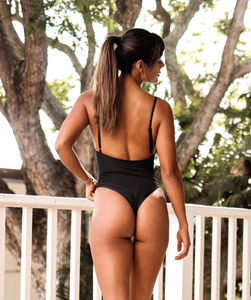 Noa Kai Gisele One Piece in Midnight Black