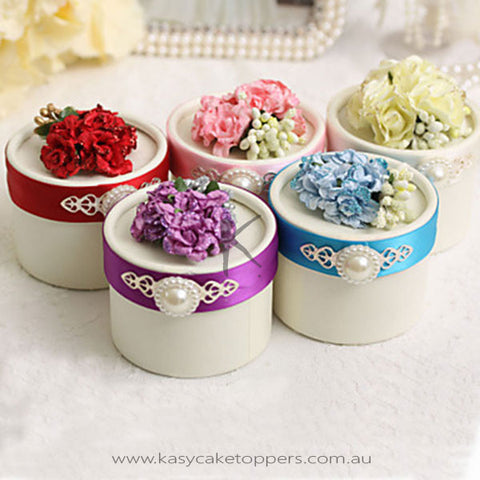 Round Favor Boxes With Flower And Pearl - Set of 12