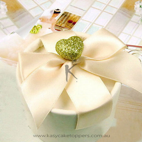 Nice Round Favor Box With Champagne Ribbon (Set of 30)