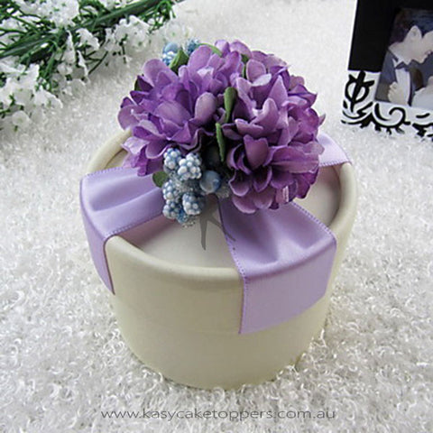 Nice Pound Lilac Favor Box With Flowers and Ribbon (Set of 30)