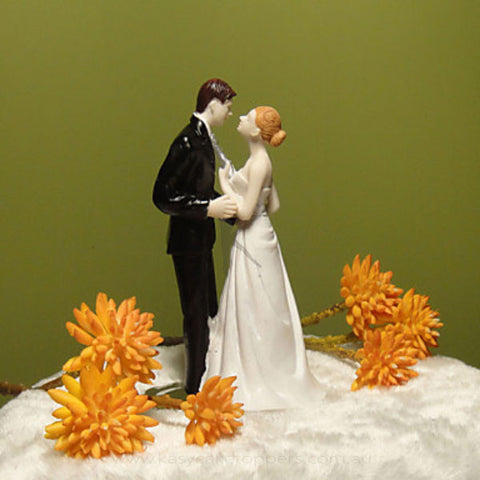 Kissing Couple Resin Wedding Cake Figurine