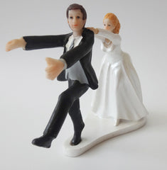 Fashion Cute Wedding cake toppers resin bridegroom and bride for Wedding Decorations 2015 new style ZS12