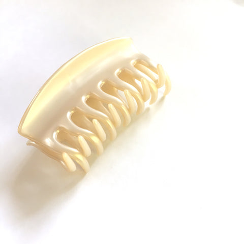 Clam Shell claw hair clip