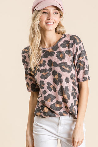 """Streeterville"" Cheetah Short Sleeve Animal Print Top"