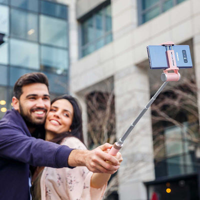 Pink-Smart-Selfie-Stick-HuggingCouple
