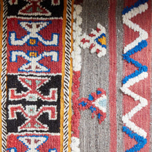 Load image into Gallery viewer, Berber Kilim - Shedwi Taznakht