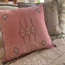 Load image into Gallery viewer, Cactus Silk Cushion Cover - Washed pink