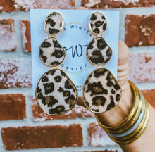 Load image into Gallery viewer, Cheetah Texture Earrings
