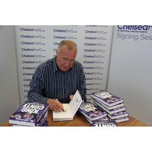 Chelsea legend Ron Harris signing King Conte book, during signing session with ChelseaFan12