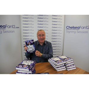 Chelsea legend Ron Harris holding up King Conte book, during signing session with ChelseaFan12