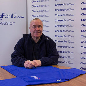 Ron Chopper Harris signing a 1970 retro wembley long sleeve shirt