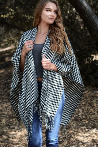 Lightweight Fishnet Wrap Scarf-Olive