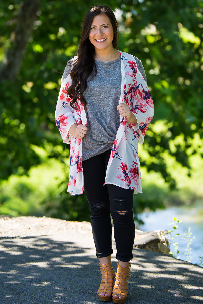 Addicted To Floral Kimono-White/Red