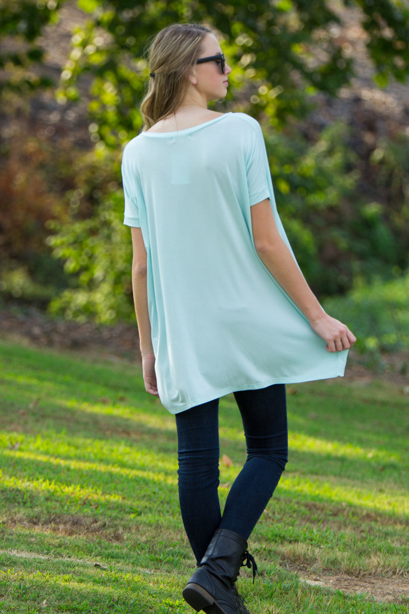 The Perfect Piko Short Sleeve V-Neck Tunic-Mint