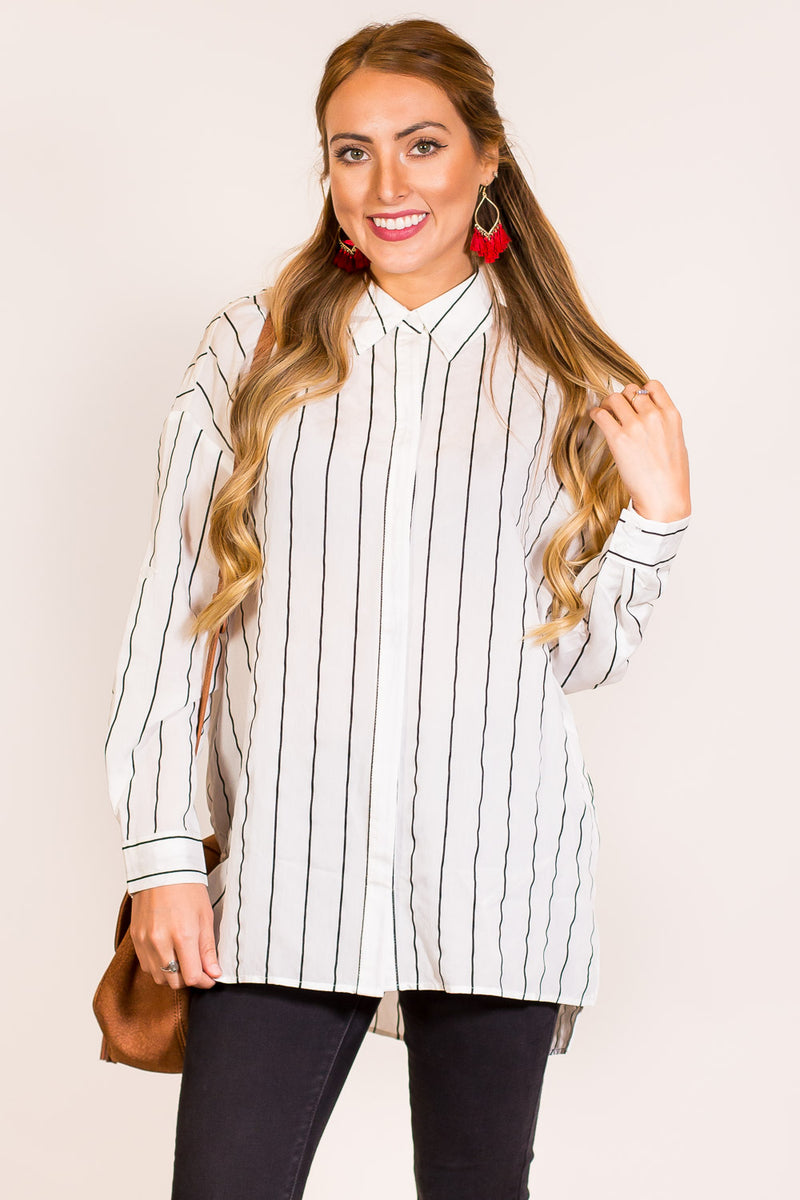 SALE - She Means Business Tunic Top-White/Black