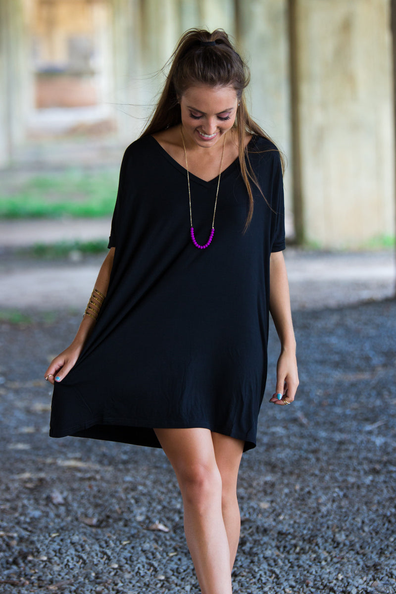 The Perfect Piko Short Sleeve V-Neck Tunic-Black